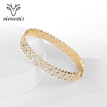 Picture of Wholesale Gold Plated Casual Fashion Bracelet with No-Risk Return