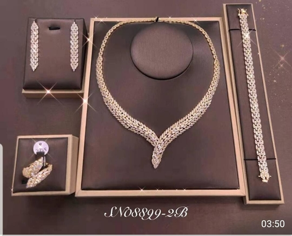Picture of Copper or Brass Luxury 4 Piece Jewelry Set at Super Low Price