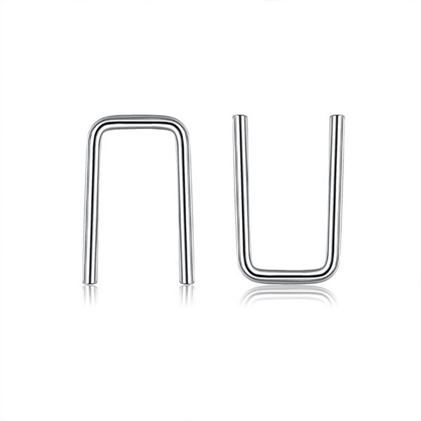 Picture of Distinctive Platinum Plated Small Stud Earrings with Low MOQ